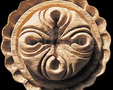 деревянная резная розетка 9043