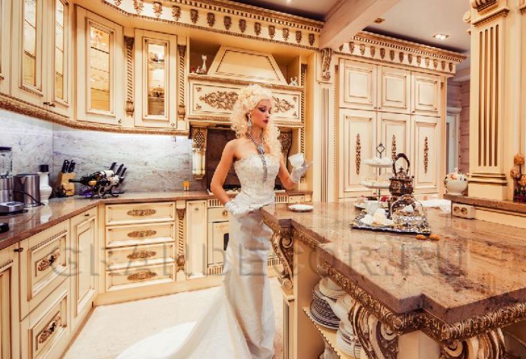 деревянная кухня в стиле барокко
